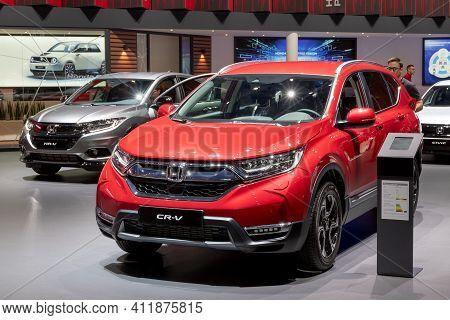 Geneva, Switzerland - March 5, 2019: Honda Cr-v And Honda Hr-v Cars Showcased At The 89th Geneva Int