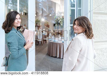 Wedding Planners, Organizers, Event Decorators, Florists. Young Beautiful Women, Girls In Stylish Su