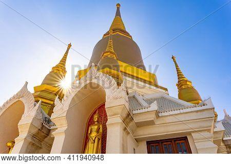 Phra Nakhon Si Ayutthaya, Thailand - 18 December 2020: Tako Temple, Luang Pho Ruay, Pasadigo At Luan