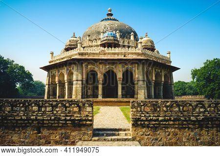 Tomb Of The Noble Isa Khan Niazi In New Delhi, India
