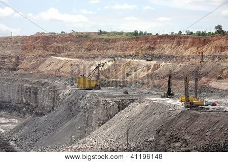 Drilling machines & dragline excavator in a open cast mine