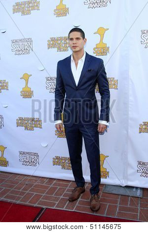 LOS ANGELES - JUN 26:  JD Pardo arrives at the 39th Annual Saturn Awards at the Castaways on June 26, 2013 in Burbank, CA