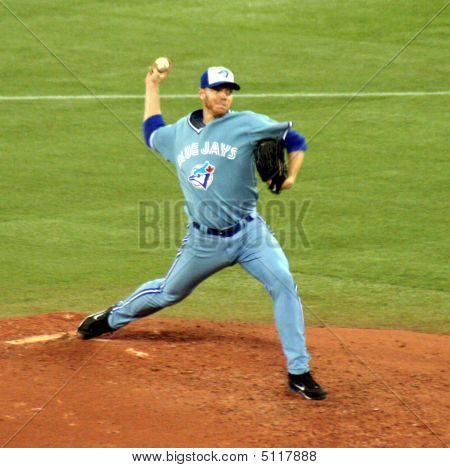 Roy Halladay Pitching 1