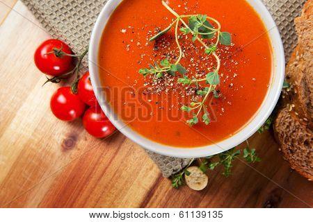 Delicious Tomato Soup with Bread