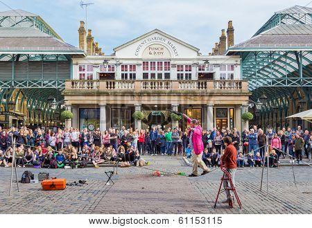 Covent Garden Entertainer