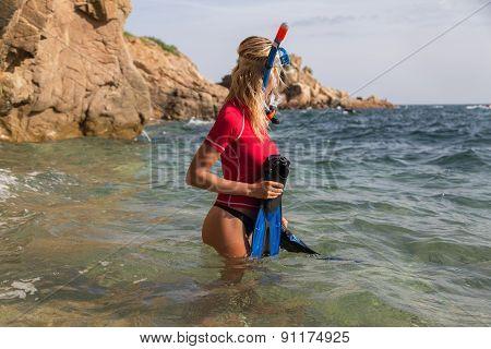 Sexy Diver Girl In Sportwear Preparing Her Dive.