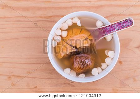 Chinese nourishing tonic soup to relieve cough