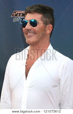 LOS ANGELES - MAR 3:  Simon Cowell at the America's Got Talent Judges Photocall at the Pasadena Civic Auditorium on March 3, 2016 in Pasadena, CA