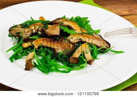 Salad, Arugula and Fried Oyster Mushrooms