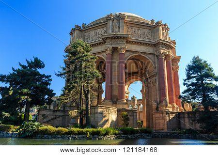 The Famous San Francisco Landmark - Palace Of Fine Arts