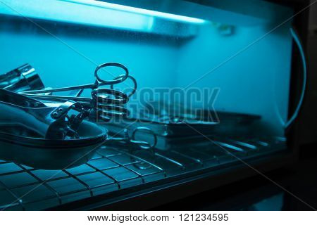 sterilizing the medical instrument