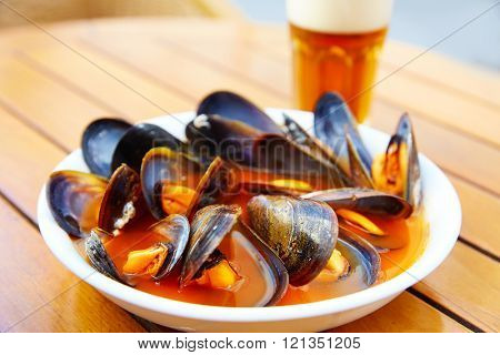 Valencia clochinas steamed mussels typical food at Spain