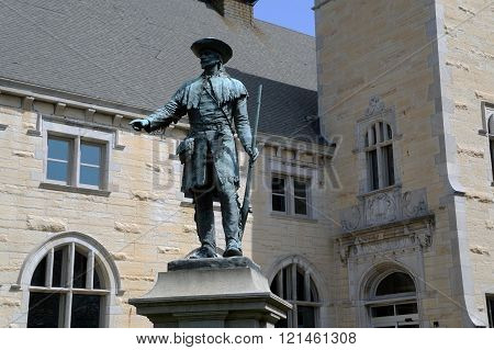 Sculpture of Louis Joliet