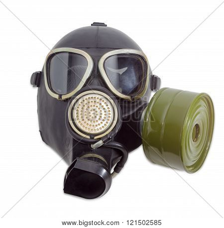 Gas mask with filter mounted on side of the mask