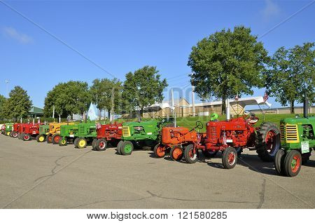Classic restored tractor lineup