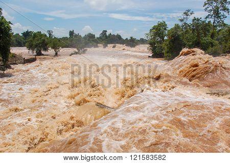 Konpapeng Flood In Pakse, Laos On August 19, 2007
