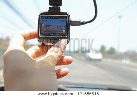 Press the button of front camera car recorder