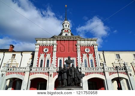 Moscow, Russia - March 14, 2016. Monument to a founders of Russian railroad on background of Kazansky station