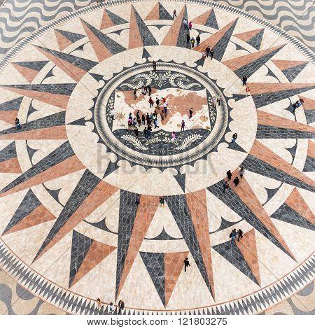 Monument To The Discoveries (padrão Dos Descobrimentos),