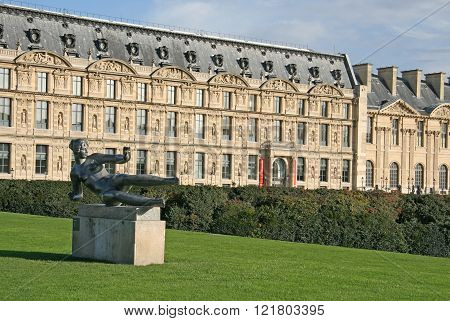 Paris, France - November 27, 2009: Sculpture L'air By Aristide Maillol In Jardin Des Tuileries, Pari