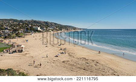LAGUNA BEACH, CALIFORNIA - 4 NOVEMBER 2017: Sandy shoreline at Laguna Beach in California