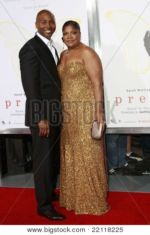 LOS ANGELES - NOV 1: Sidney Hicks and Mo'Nique at the screening of 'Precious: Based On The Novel 'PUSH' By Sapphire' during AFI FEST 2009 in Los Angeles, California on November 1, 2009