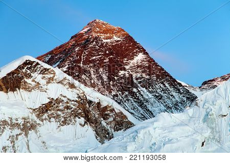 View of top of Mount Everest from Kala Patthar way to mount Everest base camp, khumbu valley, nepalese himalayas - Nepal
