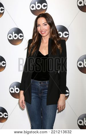 LOS ANGELES - JAN 8:  Whitney Cummings at the ABC TCA Winter 2018 Party at Langham Huntington Hotel on January 8, 2018 in Pasadena, CA