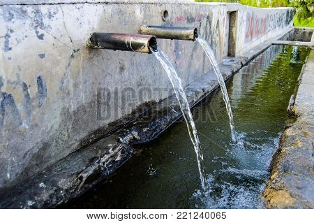 Natural Flowing Water, Pure And Clean Spring Water, Natural Spring Water Flowing, Cold Water Fountai