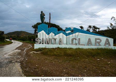 Santa Clara, Cuba - 10 december 2017:  Sign at the entrance to the town of Santa Clara and the icon of Ernesto Che Guevara (Cuba)