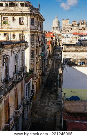 Old Havana road and the dome of the Capitolio