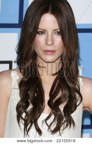 SANTA MONICA - FEB 23: Kate Beckinsale at the 2008 Independent Spirit Awards held on the beach in Santa Monica, California on February 23, 2008