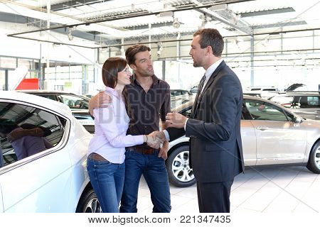 Car Dealership Advice - Sellers And Customers When Buying A Car