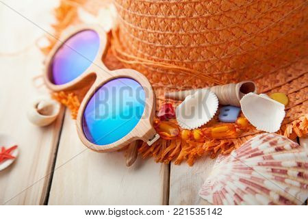 beach accessories glasses hat cockleshells.