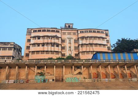 Varanasi India - November 1, 2017: Hospital On Ganges River Bank In Varanasi. People With Terminal I