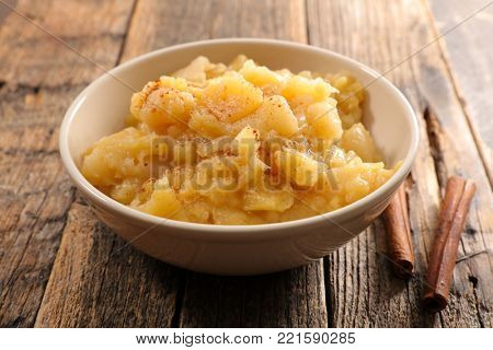 apple sauce and cinnamon