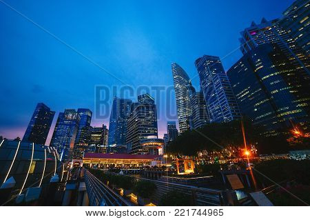 Night metropolis. Quay. Lights. Night life m the big city
