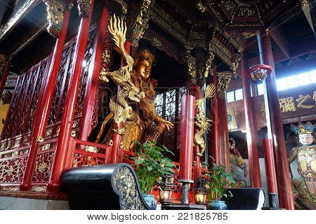 Beuatiful Architecture In Ancient Buddhist Temple , Lingyin Temple