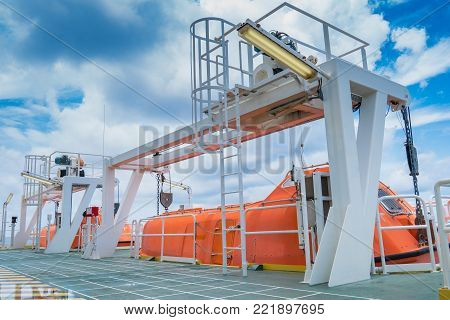 Rescue boat or life boat at oil and gas platform this use for escape or evacuate from fire when abandon platform.