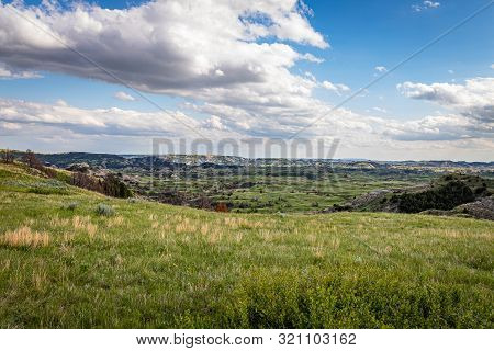 The Boicourt Overlook On The Scenic Loop Road At Theodore Roosevelt National Park Offers Countless S