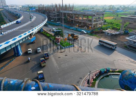 Kolkata, West Bengal,india- January 1st 2016 : View From Ma Or Maa Flyover Down Below To Parama Isla