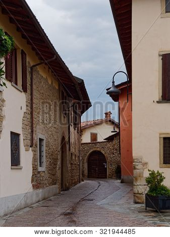 Castello Di Costa Di Mezzate, Italy - August 7, 2019: Streets And Buildings Of The Old City