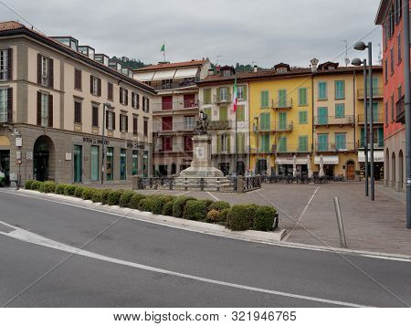 Sarnico, Italy - August 7, 2019: Lake Iseo. Beautiful Houses On A City Street