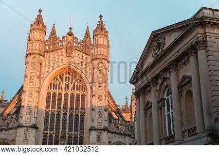 Main Facade Of Abbey Church Of St.peter And St.paul, Commonly Known As Bath Abbey. Bath, Somerset, U