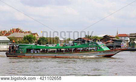 Bangkok, Thailand March 3, 2021 The Chao Phraya Express Boat Was Full Of Passengers, Sailing On The