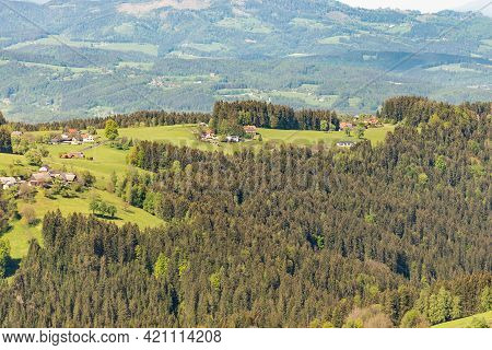 Farmsteads In The Austrian Mountains. Beautiful Mountains Of Austria In Spring.