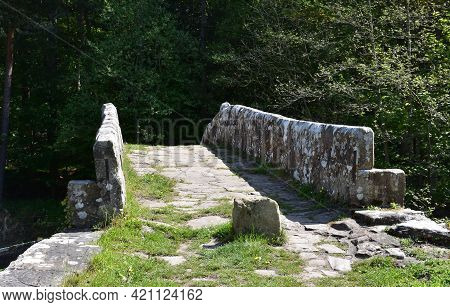 The Landmark Known As Beggar's Bridge In Glaisdale England.