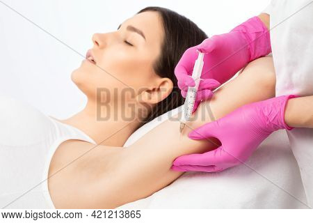 Aesthetic Cosmetologist Makes Lipolytic Injections To Burn Fat On The Arm And Body Of A Woman. Femal