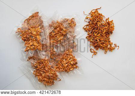 Using Cordycepin. Dry Fresh Cordyceps. Militaris Mushroom. Dry Cordyceps. Militaris Mushroom. White