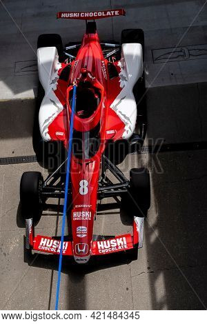May 21, 2021 - Indianapolis, Indiana, USA: Crewmembers of MARCUS ERICSSON (8) of Kumla, Sweden  prepare their car to practice for the 105th Running Of The Indianapolis 500